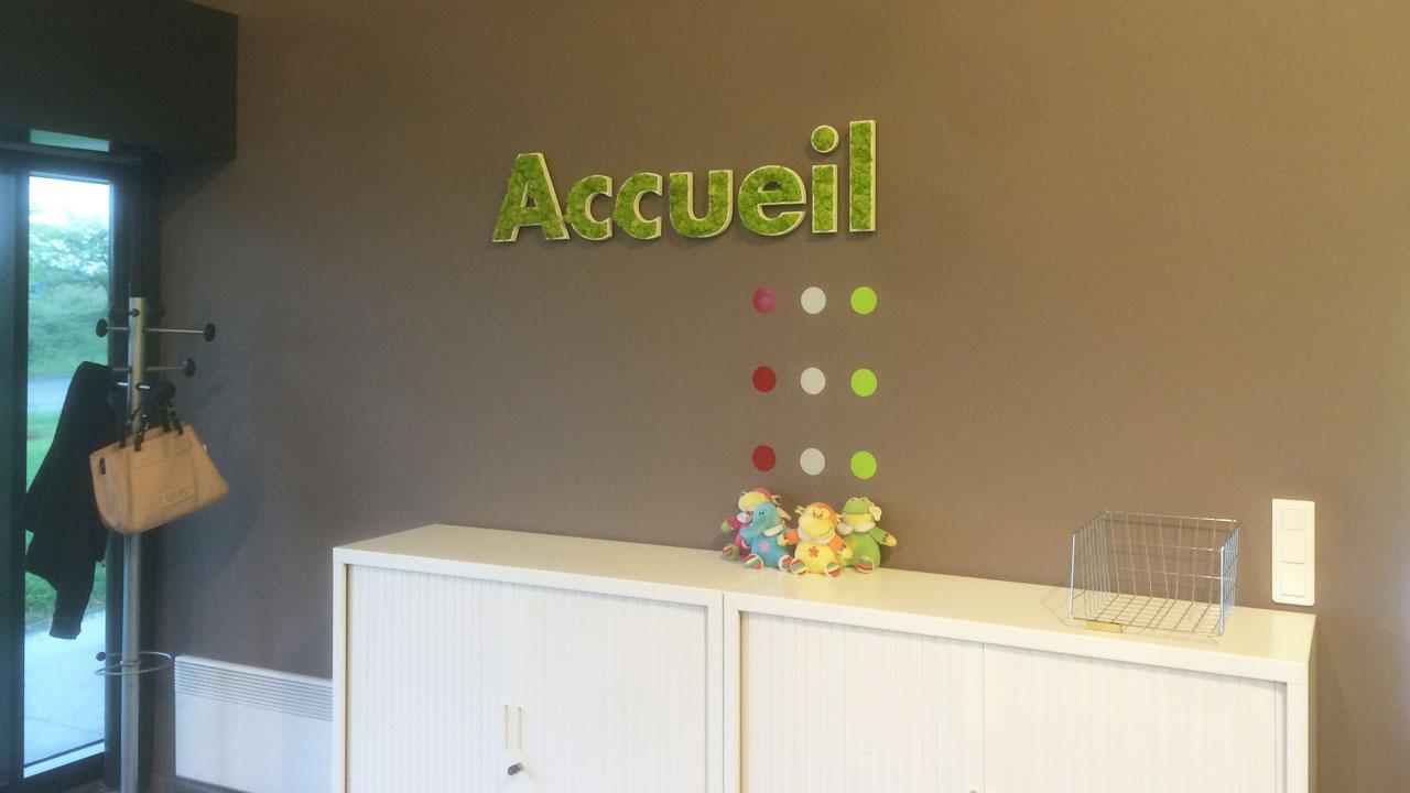 Décoration Murale Bureau Entreprise fabrication de kits adhésifs et stickers décoratifs sur-mesure