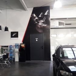décoration d'intérieur pour le concessionnaire BMC AUTO