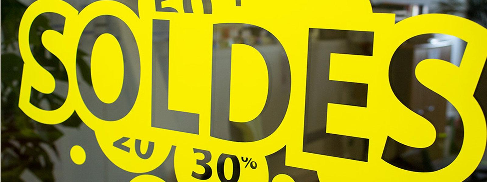 lettrage solde vitrine magasin