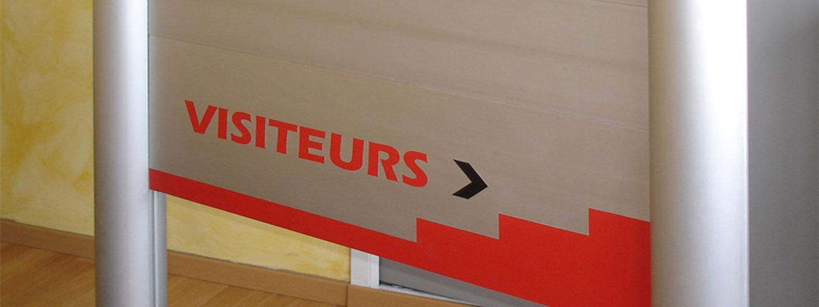 panneau directionnel visiteur